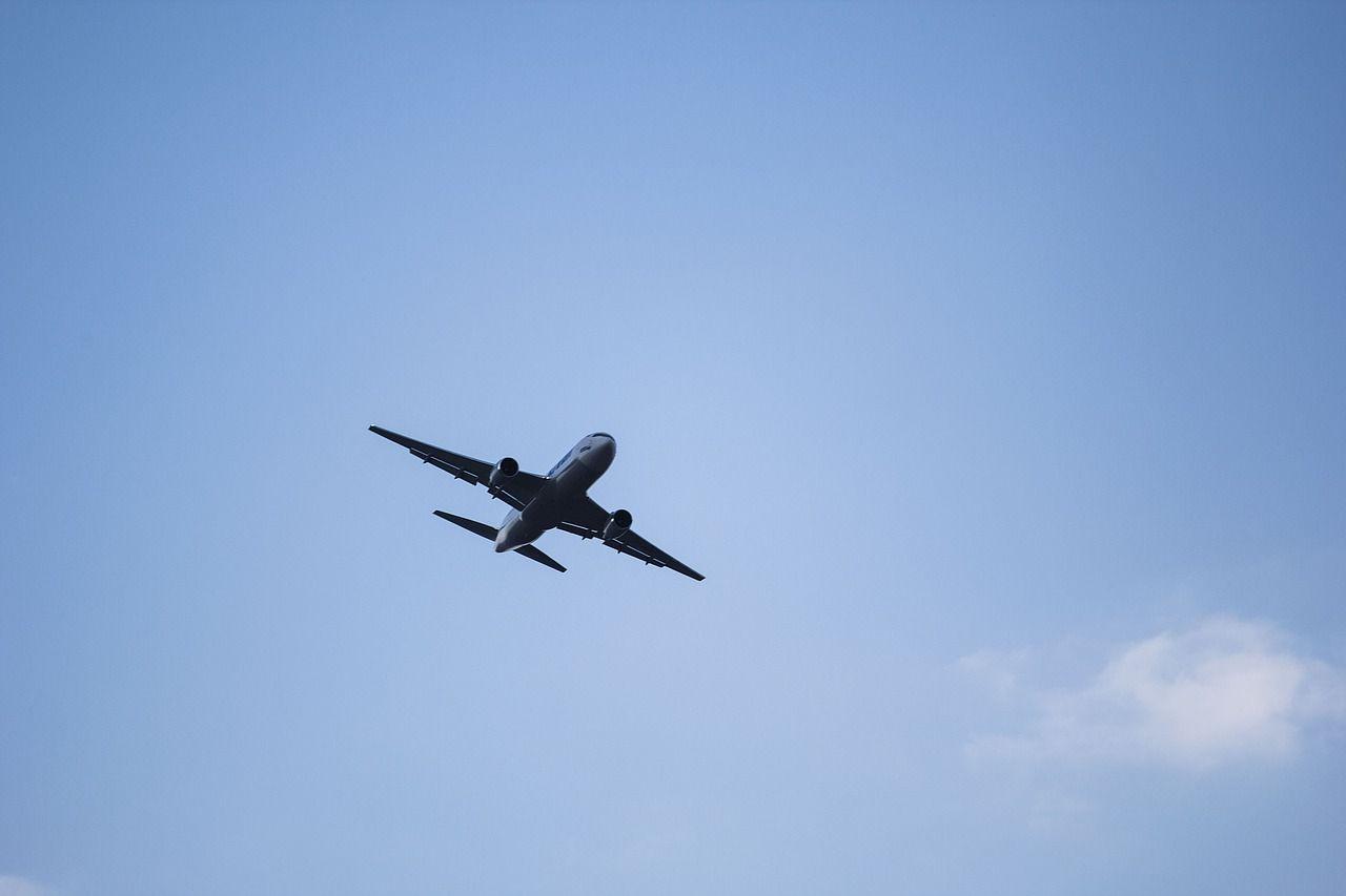 В «Аэрофлоте» до 650 тысяч рублей подняли зарплату пилотов самолётов, летающих из Москвы во Владивосток