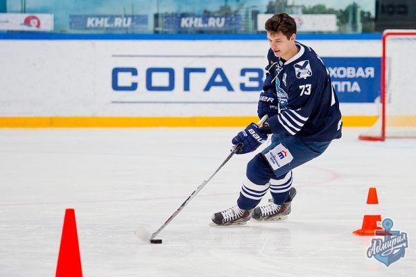 Возлюбленная хоккеиста КХЛ погибла вкатастрофе Ан-148