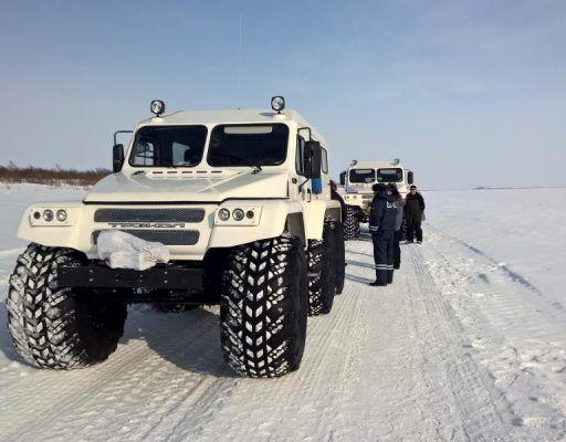 Вездеход с огромными колёсами удивил жителей Владивостока