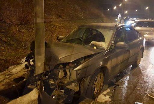 Серьёзное ДТП: в Приморье автомобилистка «влетела» в столб