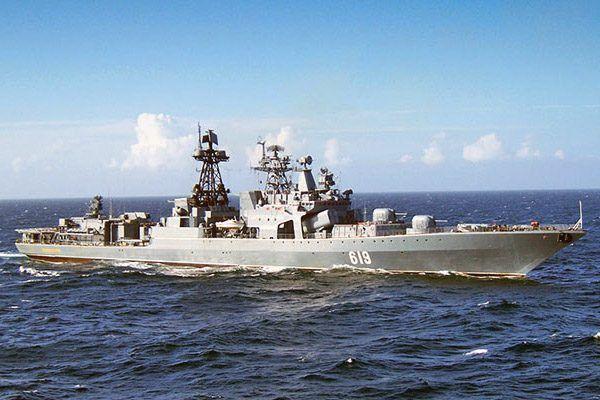 Корабль Тихоокеанского флота России сопровождал американский эсминец у берегов Приморья