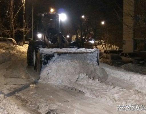 За несколько дней с улиц Владивостока дорожные службы вывезли 37 тысяч кубометров снега