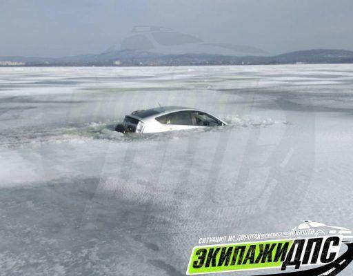 В Приморье утонул очередной автомобиль