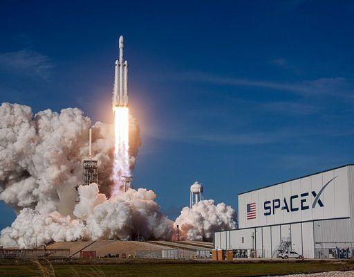 Ракету Falcon Heavy Илона Маска обнаружили в одном из автобусов Владивостока