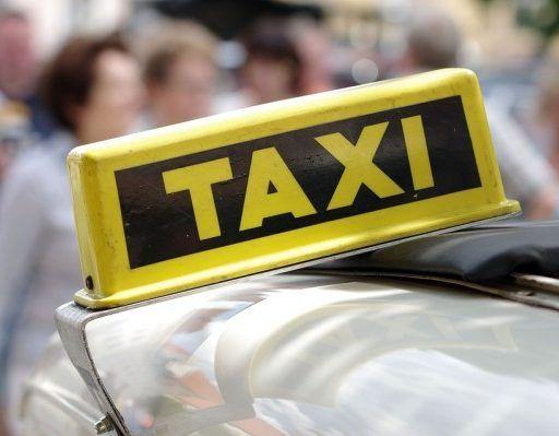 Легендарный Сами Насери из «Такси» прокатил видеоблогера по Москве
