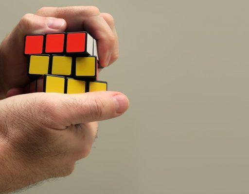 В Приморье прошли соревнования по сборке кубика Рубика на скорость
