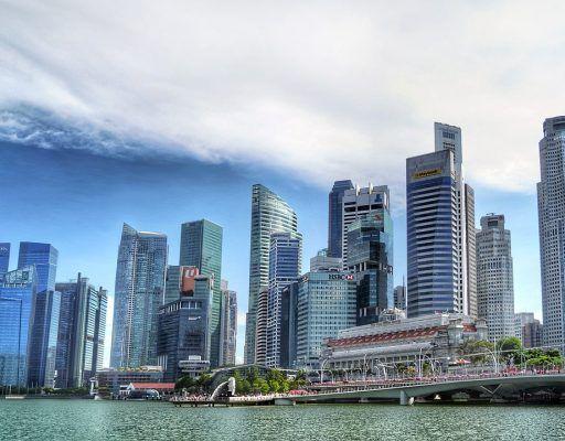 Дальневосточники стояли в очереди, чтобы проголосовать на выборах президента в Сингапуре