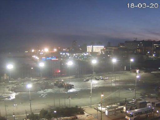 Центральную площадь Владивостока зачистили от снега