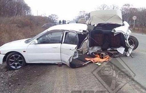 Шокирующее ДТП в Приморье: иномарку буквально «разорвало» на части