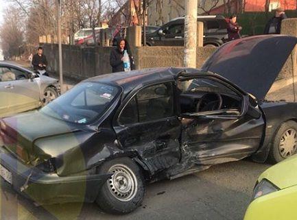 Серьёзное ДТП в Приморье: водителя Toyota Sprinter увезли в реанимацию