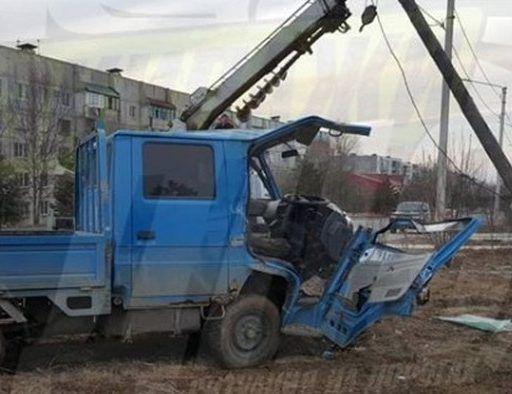 Жуткое ДТП в Приморье: водитель грузовика насмерть сбил женщину, а потом врезался в столб