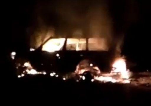«Поохотились»: в Приморье выгорел дотла автомобиль охотников на утку