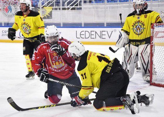 «Золото» и «серебро» выиграли хоккеисты приморского клуба «Вольфрам» в финале НХЛ