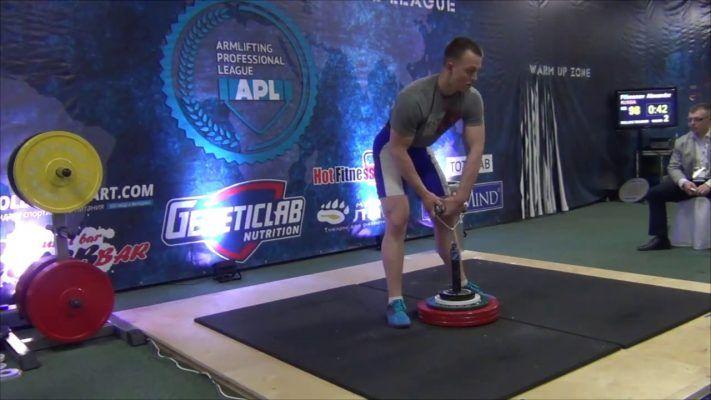 Приморец стал двухкратным чемпионом мира по армлифтингу