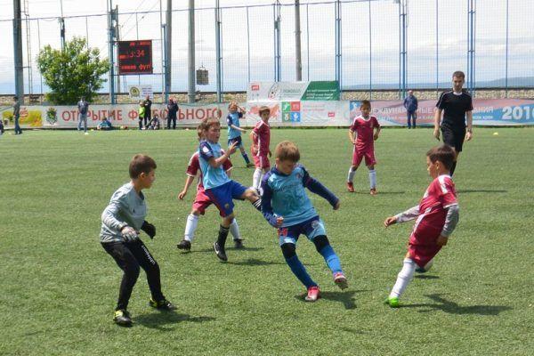 Футбольный турнир «Большие звёзды светят малым» в дивизионе Тихоновецкого прошёл во Владивостоке
