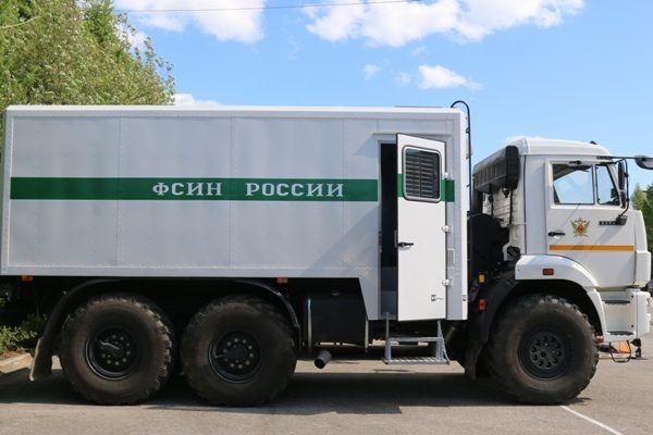 В Приморье перевернулся автозак с заключёнными