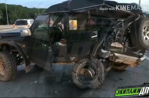 Жуткое ДТП во Владивостоке: мусоровоз на полном ходу уничтожил джип