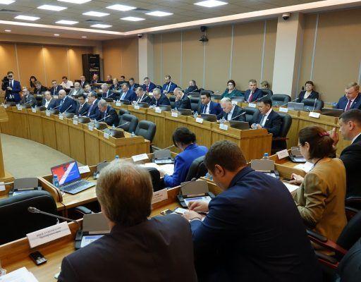 Более 35 млн рублей предусмотрели на освещение деятельности депутатов приморского парламента в 2019 году