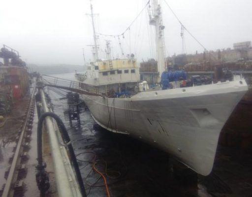 Пожар на судне в доке в Приморье тушили почти 3,5 часа