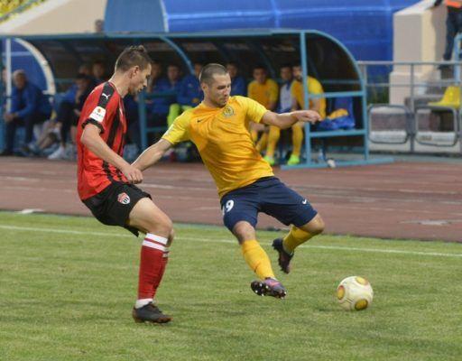 Футболисты «Луча» начали новый сезон с обидного поражения