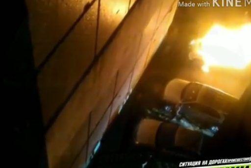 В пригороде Владивостока подожгли автомобиль