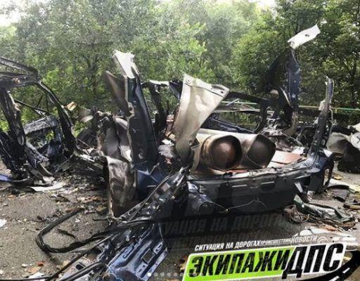 Во Владивостоке взорвались баллоны с газом в автомобиле