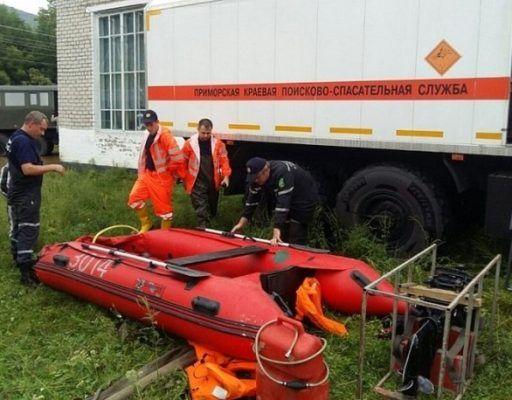 Спасатели на КамАЗе выехали в пострадавший от стихии Ольгинский район Приморья