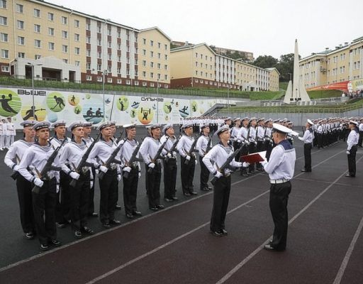 Почти 250 курсантов ТОВВМУ приняли присягу во Владивостоке