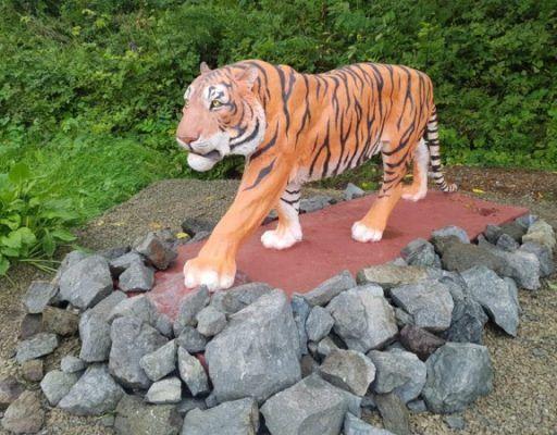 Скульптуру амурского тигра торжественно открыли в ВДЦ «Океан»