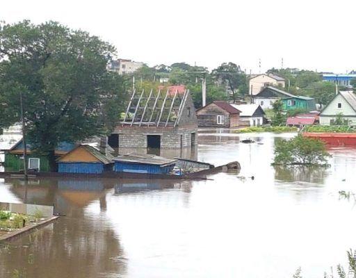 Наводнение в Приморье: в Уссурийске пришлось ограничить движение авто