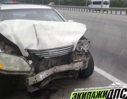 Пока водители разбирались после ДТП в Приморье, в один из автомобилей «влетел» Mark ll и уехал
