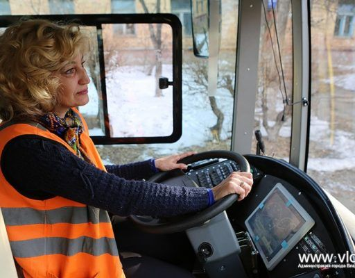Необычное ДТП: во Владивостоке столкнулись автобус и троллейбус