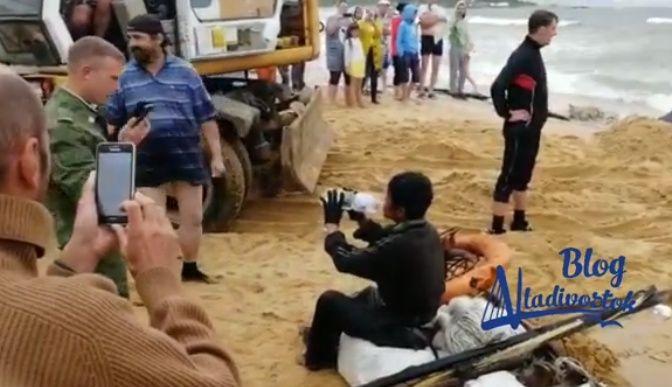 Ещё трех рыбаков из КНДР спасли в Приморье из полузатопленной шхуны