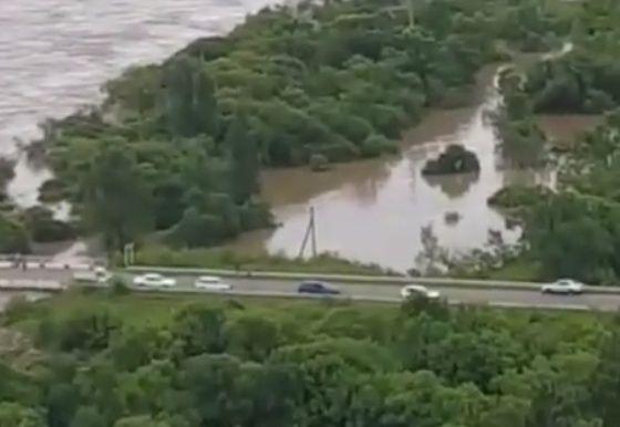 Потоки воды отрезали село в Приморье от «большой земли»