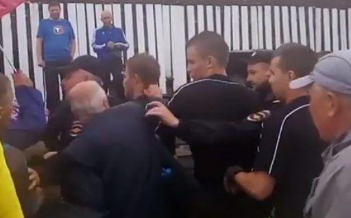 «Да тебя убить надо!»: в Приморье болельщики напали на футбольного судью