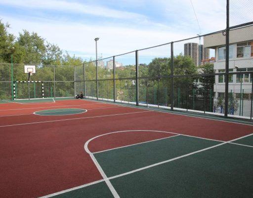 Современная трёхуровневая спортплощадка открылась в центре Владивостока