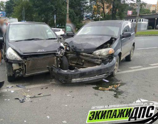 Жёсткое ДТП произошло на перекрёстке во Владивостоке