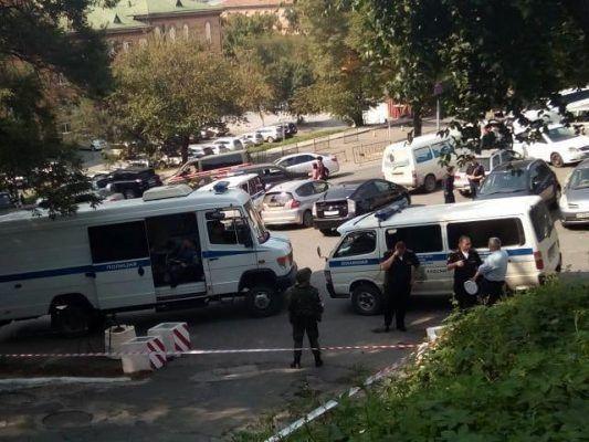 Во Владивостоке «заминировали» место жительства высокопоставленных офицеров