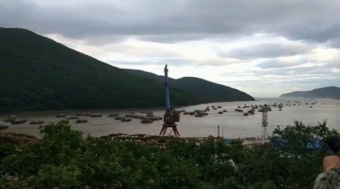 Впечатляющее зрелище: уход сотен северокорейских шхун из Приморья записали на видео