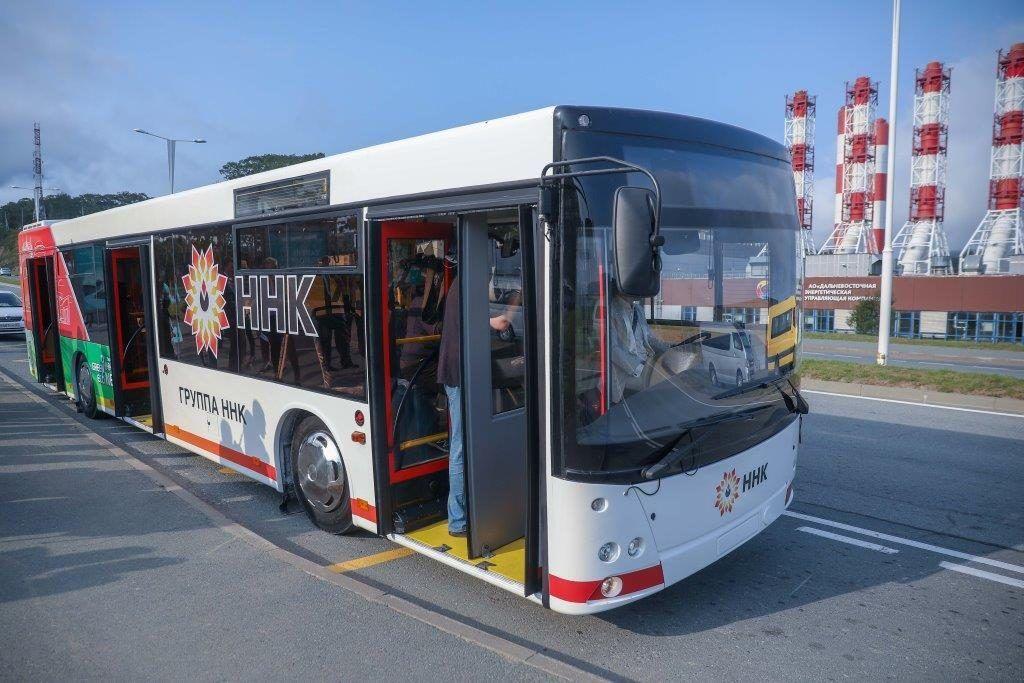 Новый автобус на кампус ДВФУ. Фото – Герман Катаев (администрация Приморского края)