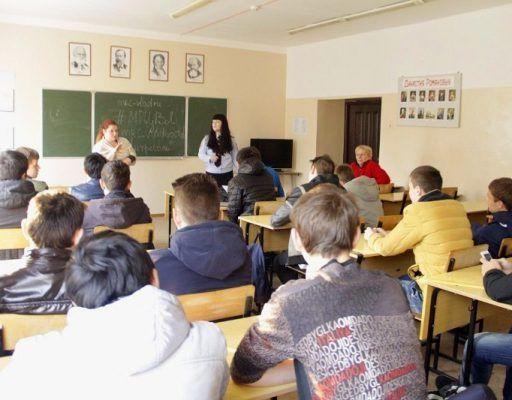 Всё больше школьников Владивостока стали уходить после девятого класса — доклад