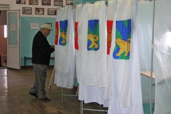 Андрейченко и Тимченко подали документы для регистрации кандидатами на пост губернатора Приморья