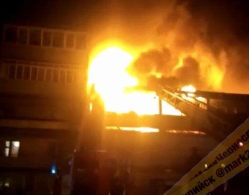Жуткий пожар уничтожил гостиницу в Уссурийске
