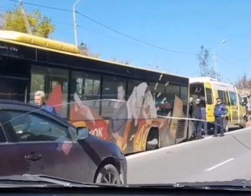 У автобуса оторвало колесо во Владивостоке — очевидцы