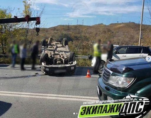 Резвый «Субарик» перевернулся на крышу во Владивостоке