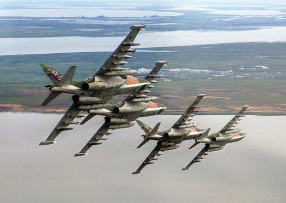 Боевые пуски ракет и бомбометание провели в Приморье
