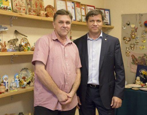 Помещение для мастерской и точки продажи уникальных сувениров: мэр Владивостока поддержал «Благое дело»