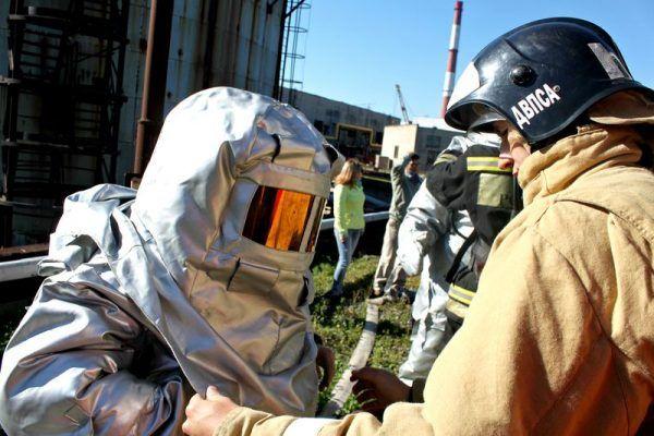 Пенную атаку мазутных баков провели на учениях на территории Владивостокской ТЭЦ-1