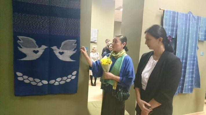 Во Владивостока показали древнее искусство японского ручного ткачества