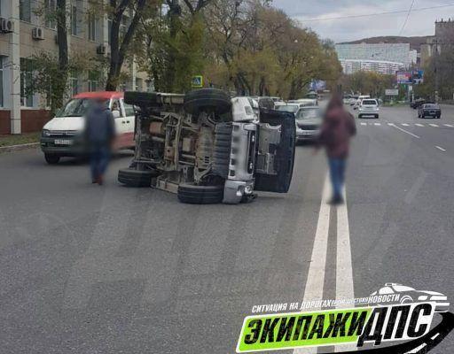 Серьёзное ДТП во Владивостоке закончилось кульбитом